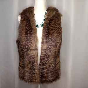 MOSSIMO SUPPLY CO. Faux Fur Hooded Vest Sz L